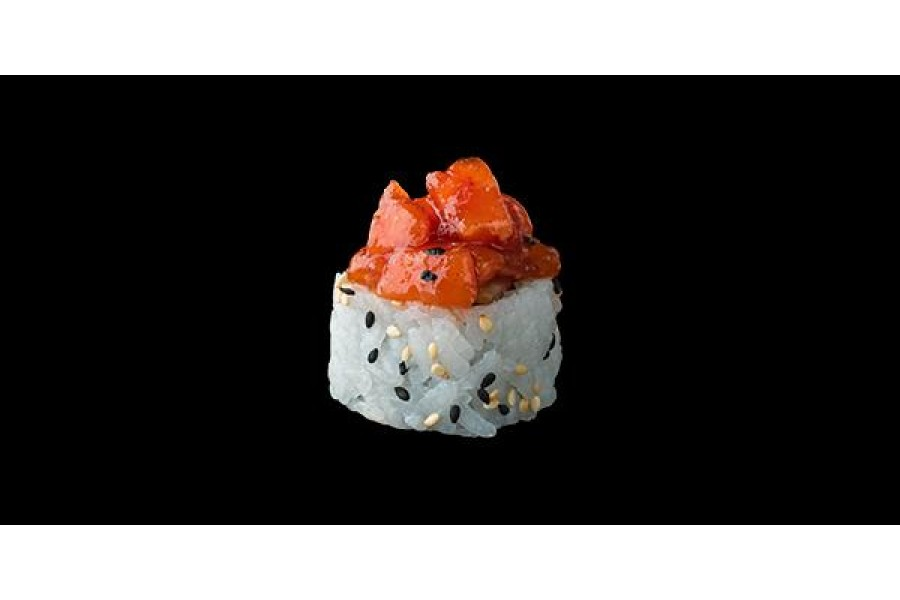 Salmon spicy roll